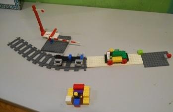 電車とバス.jpg